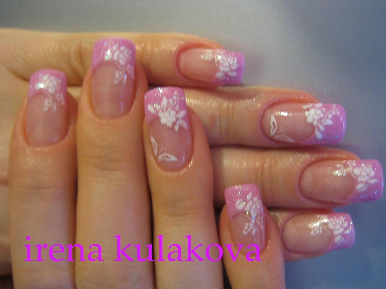 Ногти френч розовый с рисунком